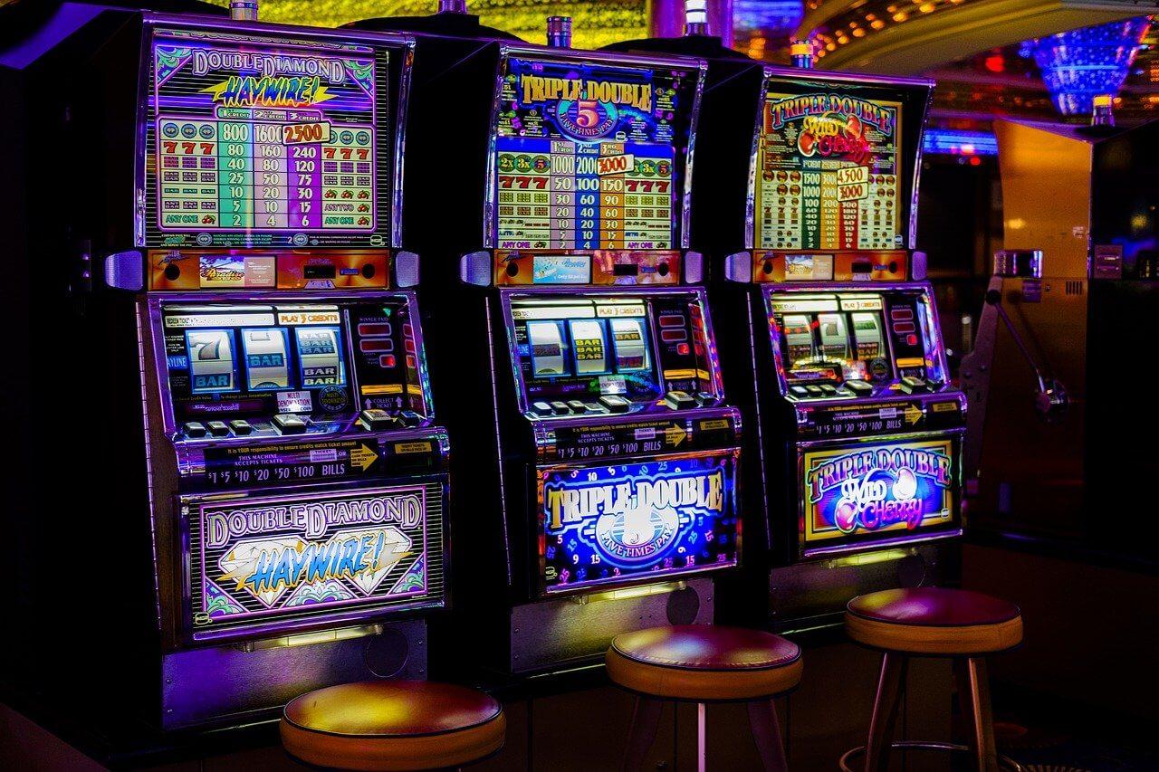 15 % der jungen Erwachsenen halten Glücksspiele für einen guten Weg um Geld zu verdienen, Studienlage untermauert indes großes Gefahrenpotenzial